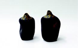 Ha-Myounggoo,-What-is-Perfection-(Ver-flower-vase)